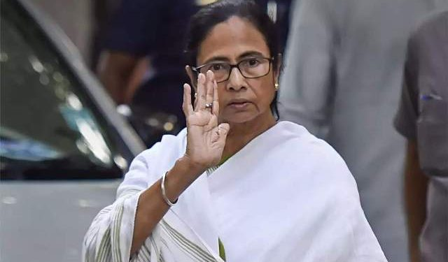 why-be-afraid-to-fight-with-rats-west-bengal-chief-minister-mamata-banerjee-threw-questions-on-international-language-day